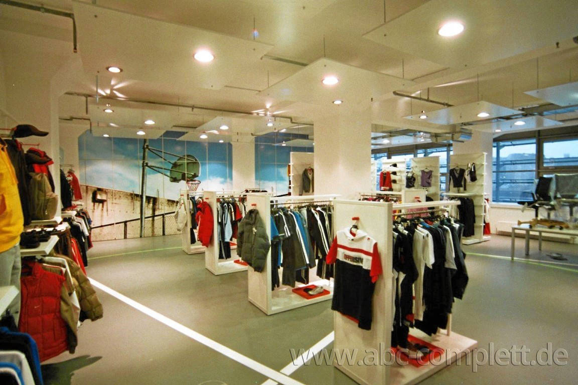 Ansicht des Geschäfts: Nike Showroom, Design by Nike, Berlin / Friedrichshain, Foto 3