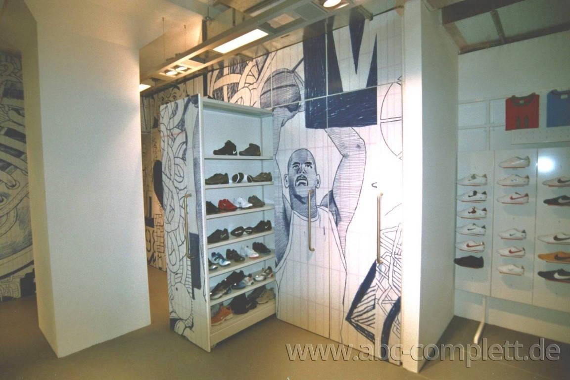 Ansicht des Geschäfts: Nike Showroom, Design by Nike, Berlin / Friedrichshain, Foto 6