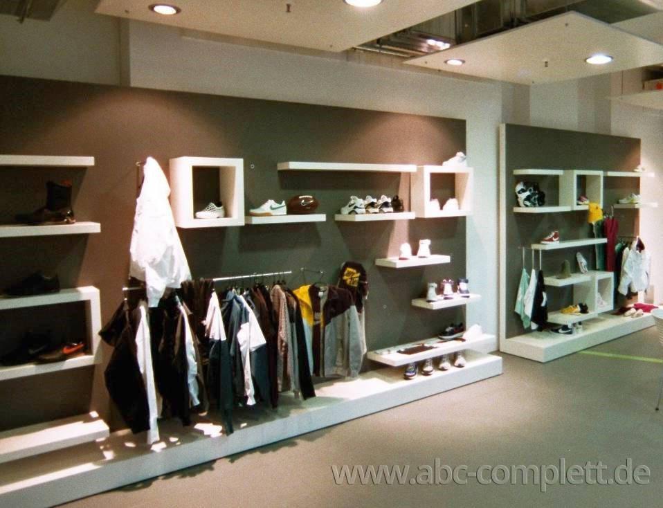 Ansicht des Geschäfts: Nike Showroom, Design by Nike, Berlin / Friedrichshain, Foto 9