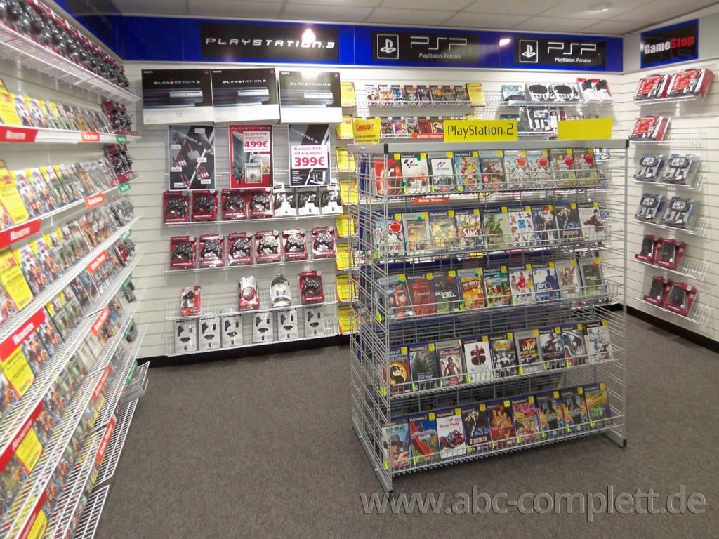 Ansicht des Geschäfts: GameStop / EB Games, Design by Retail Partner, deutschlandweit 40 Filialen lt. Referenzliste, Foto 4