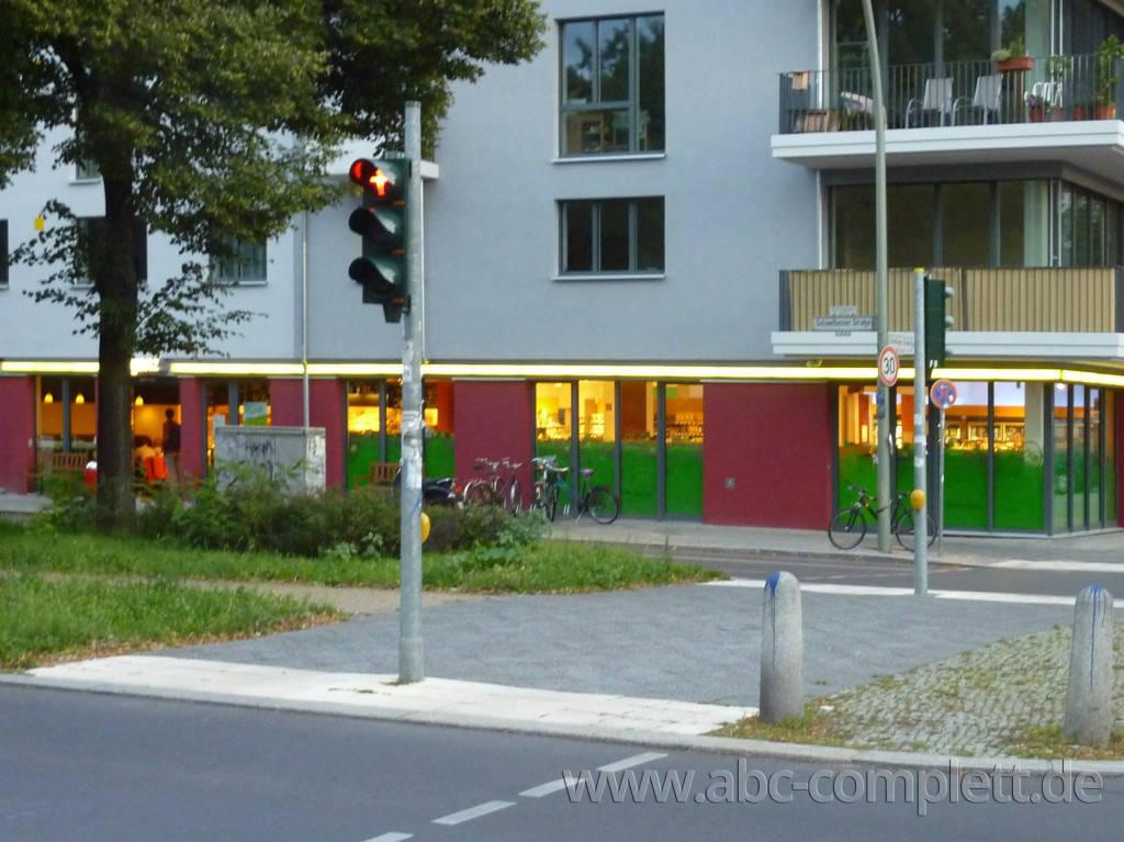 Ansicht des Geschäfts: Veganz wir lieben leben, veganer Supermarkt, Berlin / Prenzlauer Berg, Foto 2