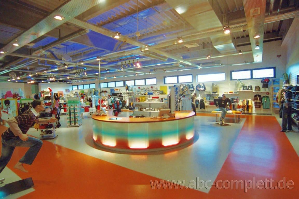 Ansicht des Geschäfts: Down Town Sports, Bahnhof Center, Bernau, Foto 2