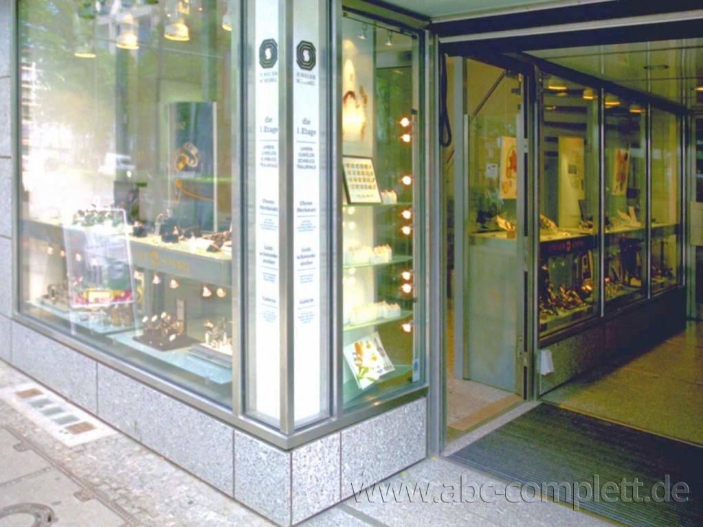 Ansicht des Geschäfts: Juwelier Scheibel, Schaufensterauslagen, Berlin / Charlottenburg, Foto 2