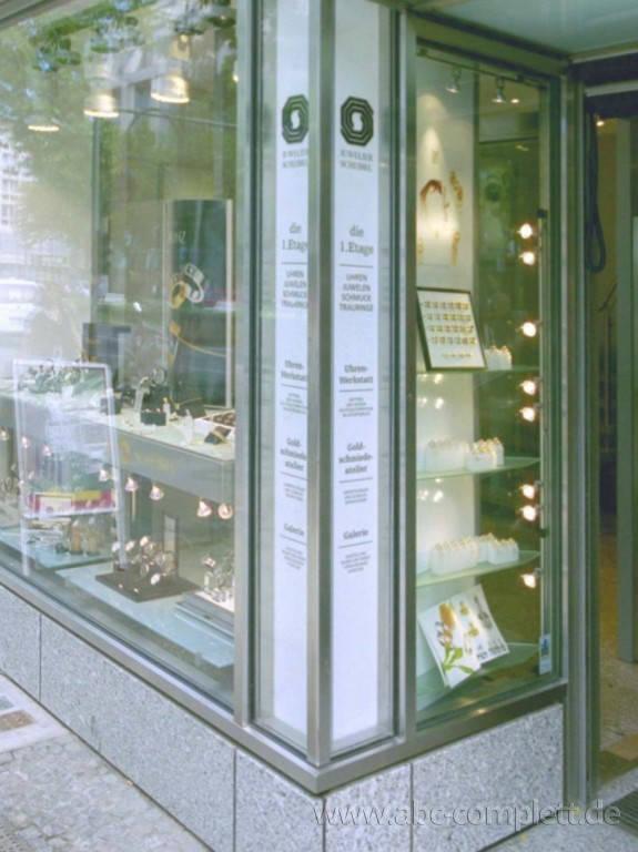 Ansicht des Geschäfts: Juwelier Scheibel, Schaufensterauslagen, Berlin / Charlottenburg, Foto 4