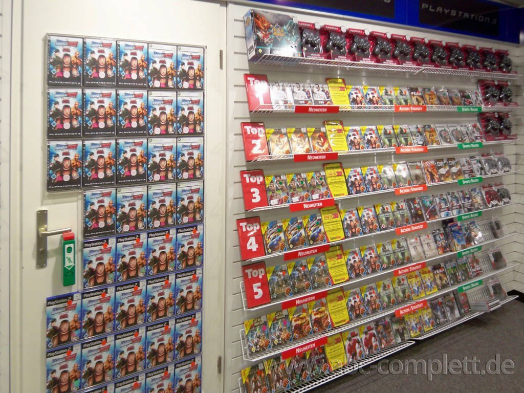 Ansicht des Geschäfts: GameStop / EB Games, Design by Retail Partner, deutschlandweit 40 Filialen lt Referenzliste, Foto 3