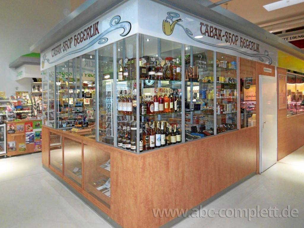 Ansicht des Geschäfts: Tabak-Shop Hegerlik, Markthalle am Marheinekeplatz, Berlin / Kreuzberg, Foto 3