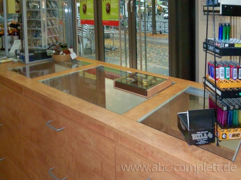 Ansicht des Geschäfts: Tabak-Shop Hegerlik, Markthalle am Marheinekeplatz, Berlin / Kreuzberg, Foto 5