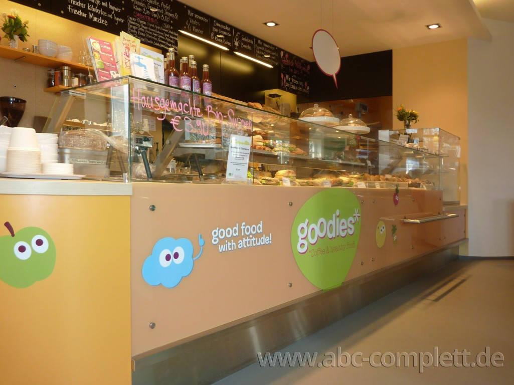 Ansicht des Geschäfts: Veganz wir lieben leben, veganer Supermarkt, Berlin / Friedrichshain, Foto 8