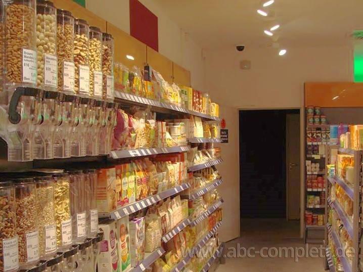 Ansicht des Geschäfts: Veganz wir lieben leben, veganer Supermarkt, München / Glockenbachviertel, Foto 2