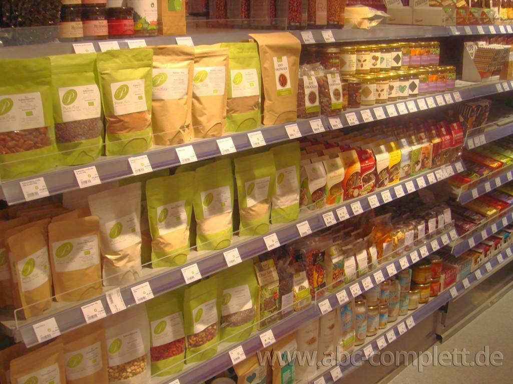 Ansicht des Geschäfts: Veganz wir lieben leben, veganer Supermarkt, München / Glockenbachviertel, Foto 6