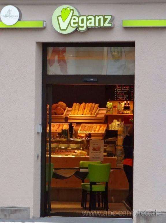 Ansicht des Geschäfts: Veganz wir lieben leben, veganer Supermarkt, München / Glockenbachviertel, Foto 8