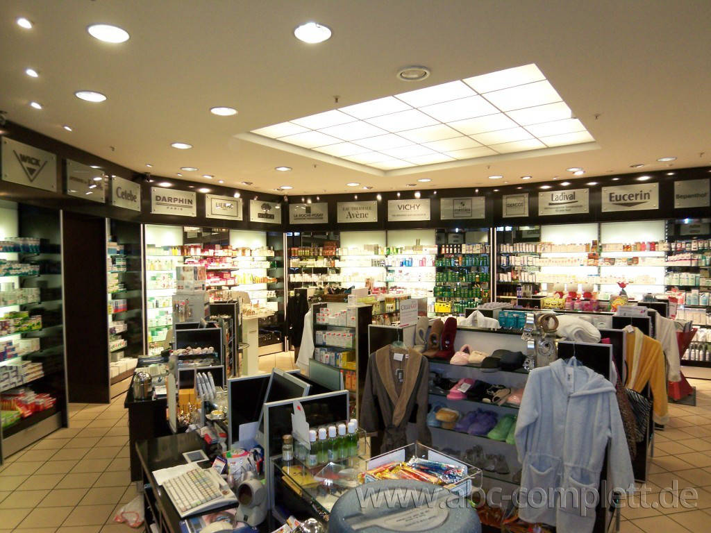 Ansicht des Geschäfts: Apotheke im KaDeWe, Offizinumbau 2007, Berlin / Charlottenburg, Foto 2