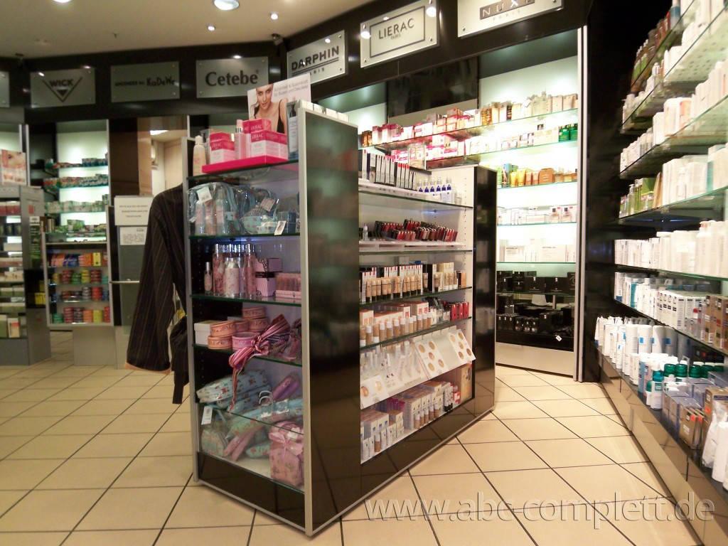 Ansicht des Geschäfts: Apotheke im KaDeWe, Offizinumbau 2007, Berlin / Charlottenburg, Foto 3