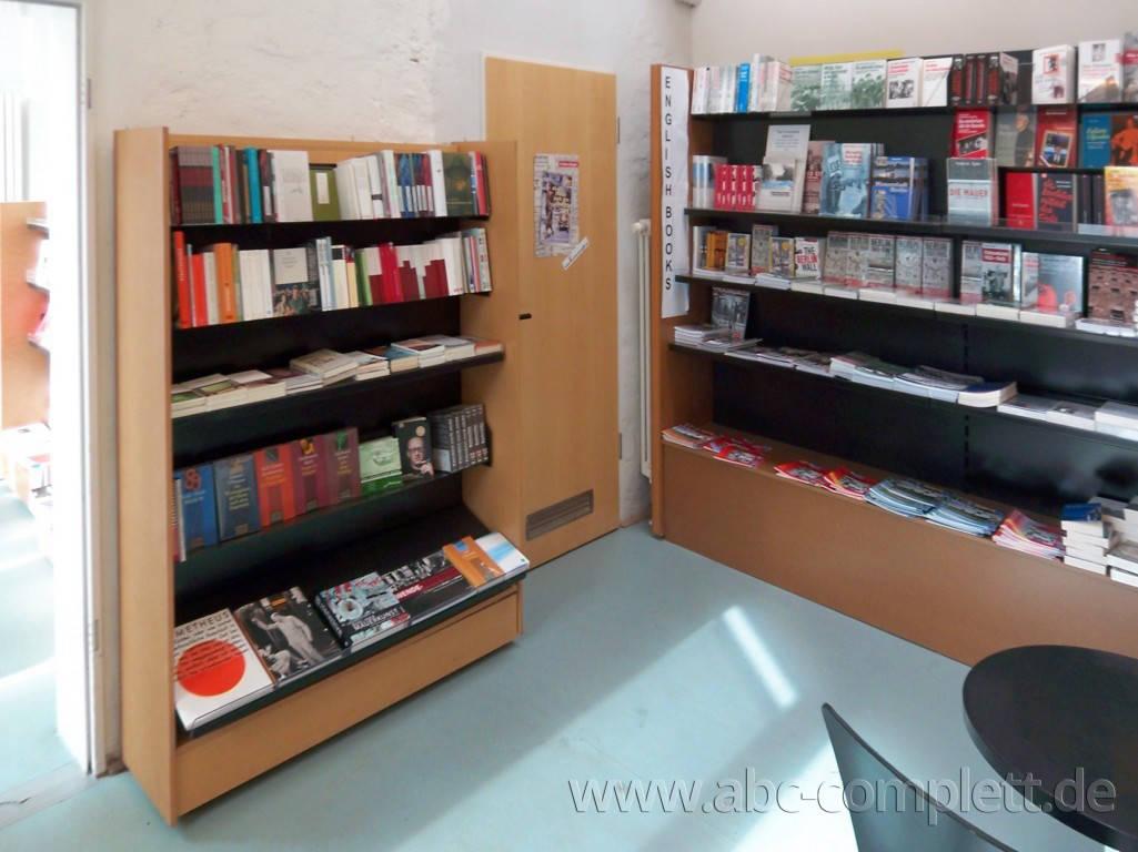 Ansicht des Geschäfts: Buchandlung '89, Gedenkstätte Berlin-Hohenschönhausen (ehem. Stasi-Gefängnis), Berlin / Hohenschönhausen, Foto 3