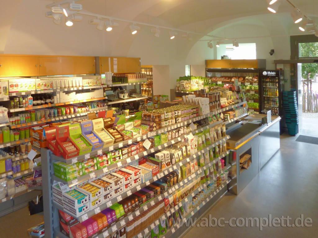 Ansicht des Geschäfts: Veganz wir lieben leben, veganer Supermarkt, Wien, nahe Naschmarkt, Foto 8