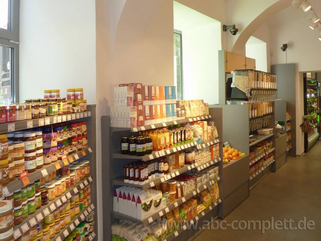 Ansicht des Geschäfts: Veganz wir lieben leben, veganer Supermarkt, Wien, nahe Naschmarkt, Foto 9
