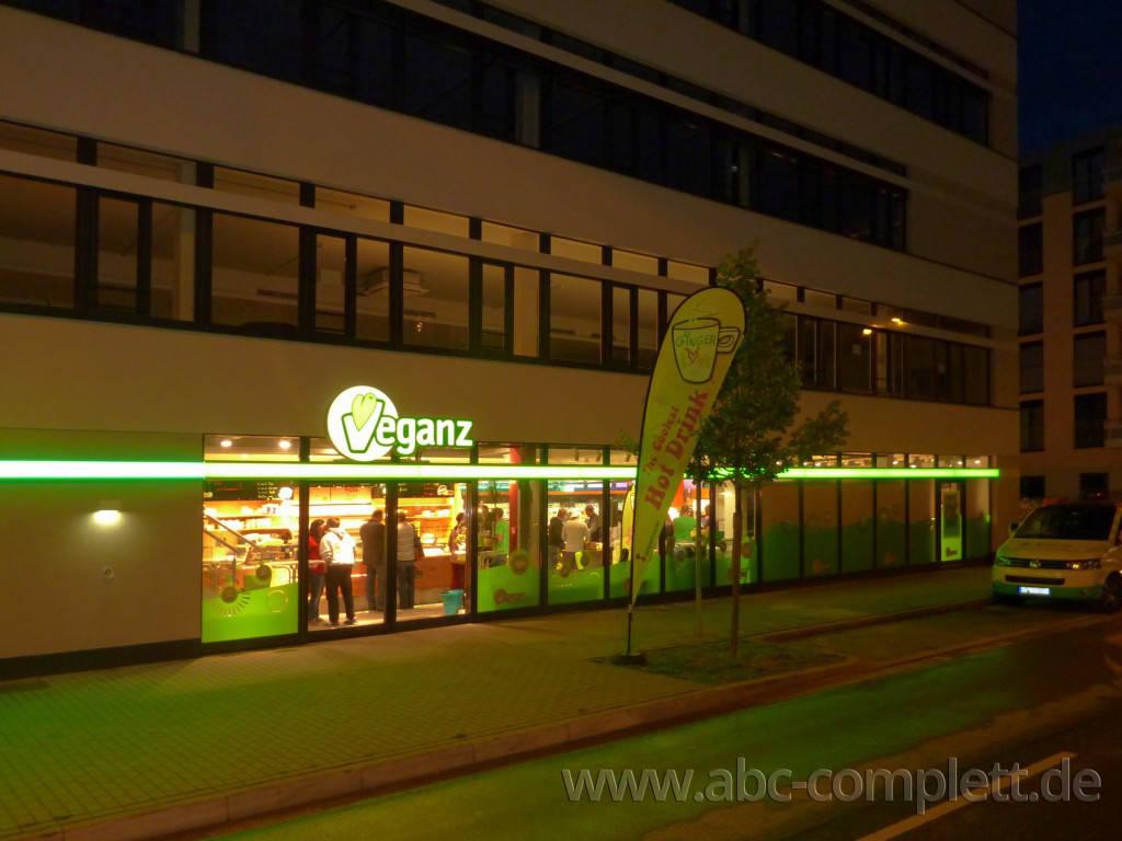 Ansicht des Geschäfts: Veganz wir lieben leben, veganer Supermarkt, Essen / Grüne Mitte, Foto 11