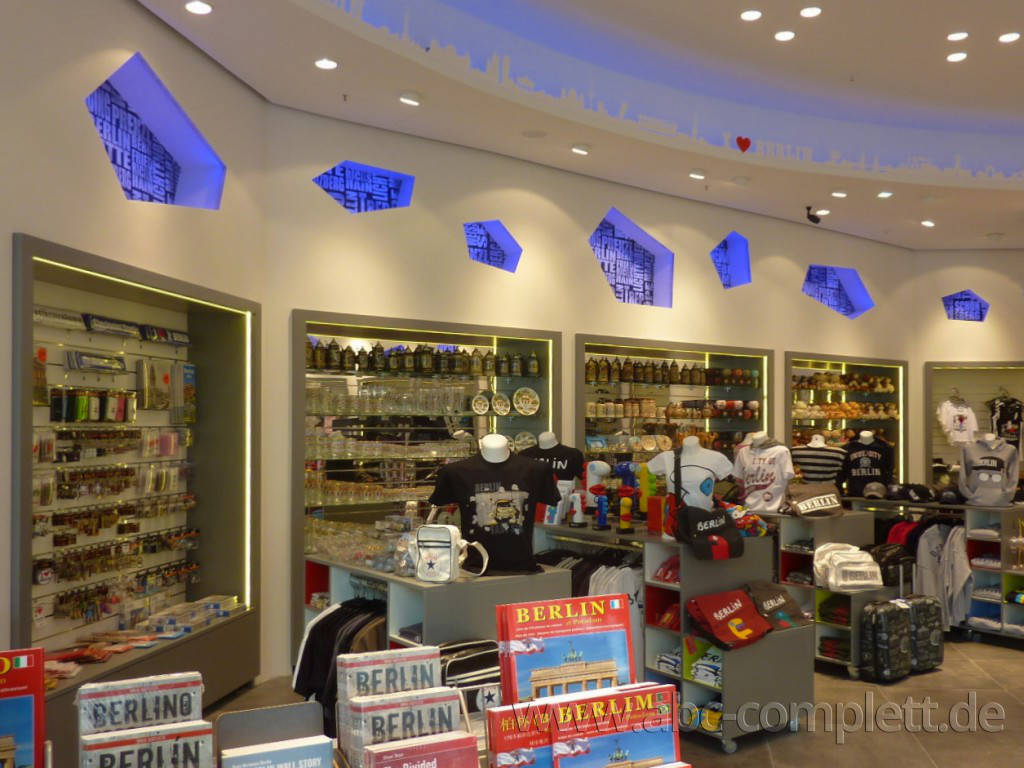 Ansicht des Geschäfts: Berlin Souvenirs, Alea 101, Berlin / Mitte, Foto 4