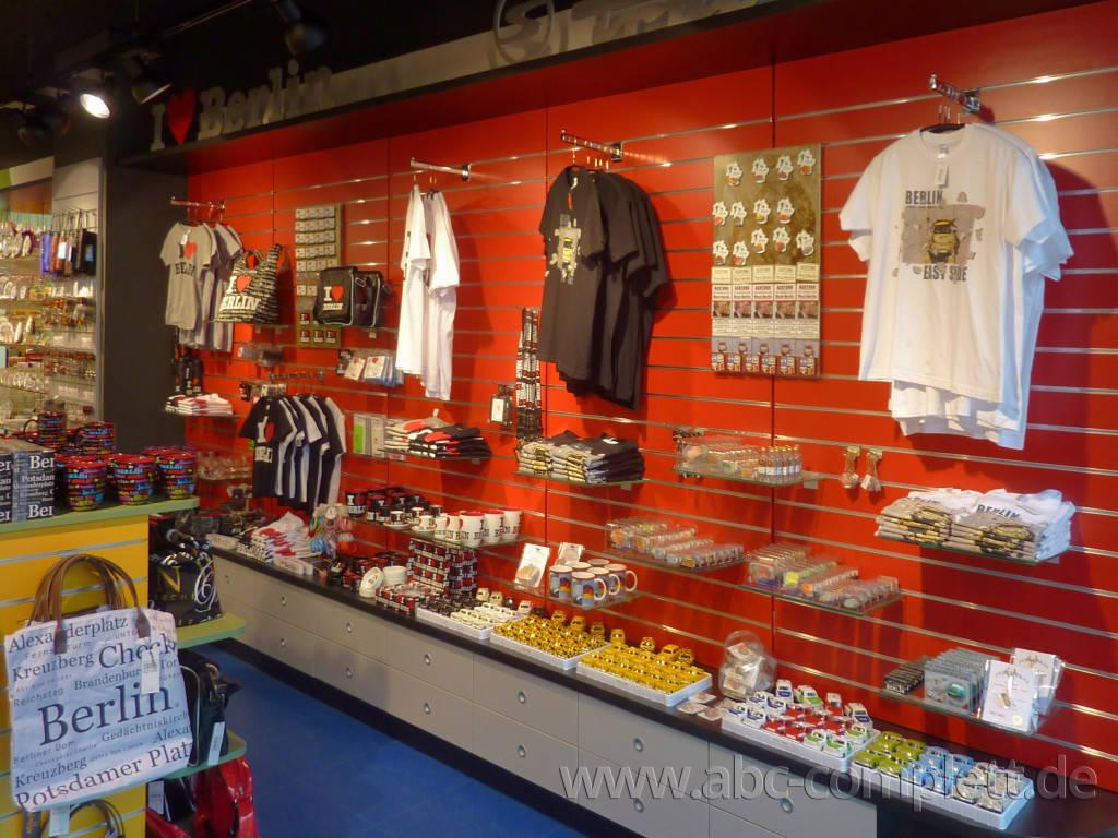 Ansicht des Geschäfts: Berlin Souvenirs, Kurfürstendamm, Berlin / Wilmersdorf, Foto 7