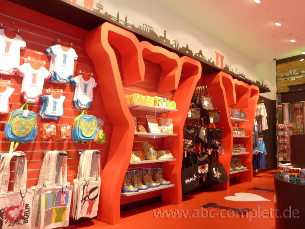 Ansicht des Geschäfts: Berlin Souvenirs, Mall Of Berlin / Leipziger Platz 12, Berlin / Mitte, Foto 2