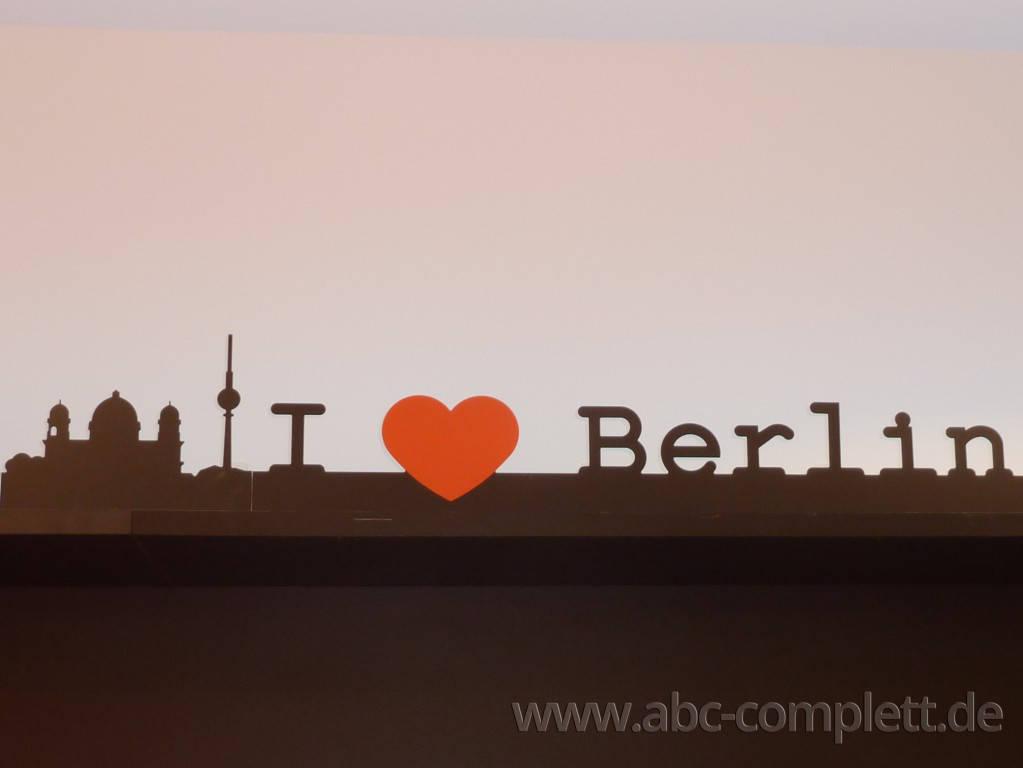 Ansicht des Geschäfts: Berlin Souvenirs, Mall Of Berlin / Leipziger Platz 12, Berlin / Mitte, Foto 4