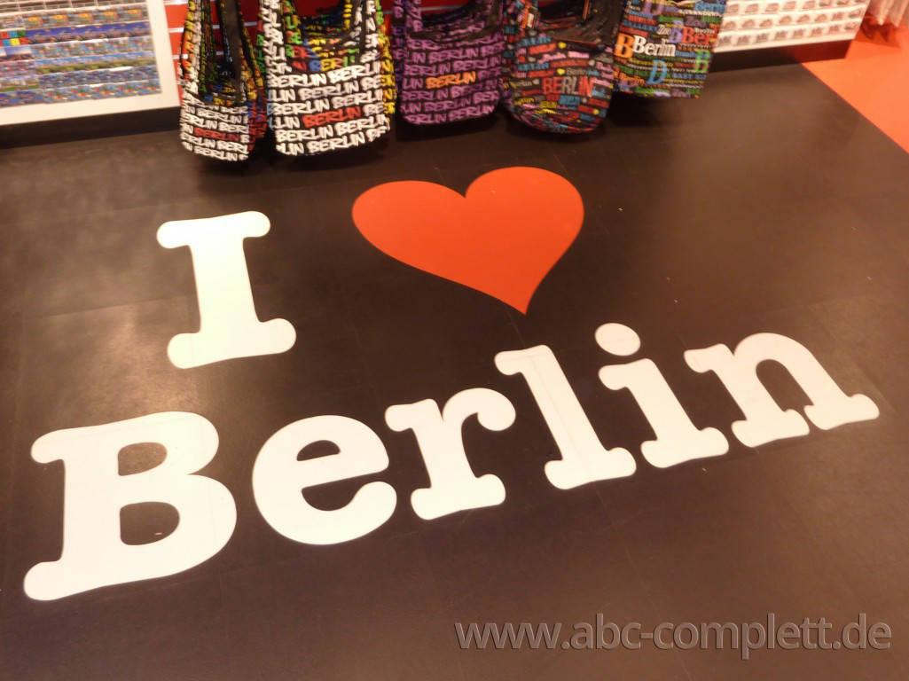Ansicht des Geschäfts: Berlin Souvenirs, Mall Of Berlin / Leipziger Platz 12, Berlin / Mitte, Foto 6