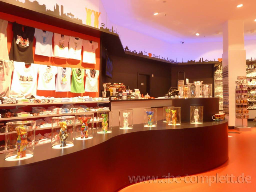 Ansicht des Geschäfts: Berlin Souvenirs, Mall Of Berlin / Leipziger Platz 12, Berlin / Mitte, Foto 8