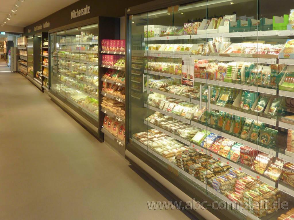 Ansicht des Geschäfts: Veganz wir lieben leben, veganer Supermarkt, Berlin / Marheineke Markthalle, Foto 7