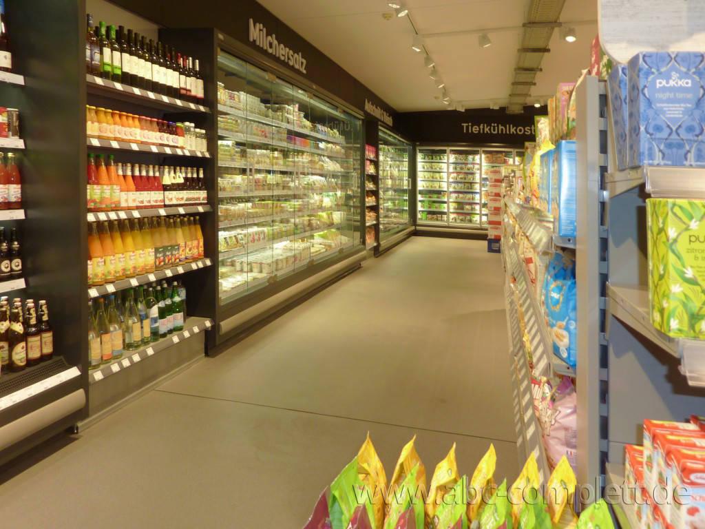 Ansicht des Geschäfts: Veganz wir lieben leben, veganer Supermarkt, Berlin / Marheineke Markthalle, Foto 8