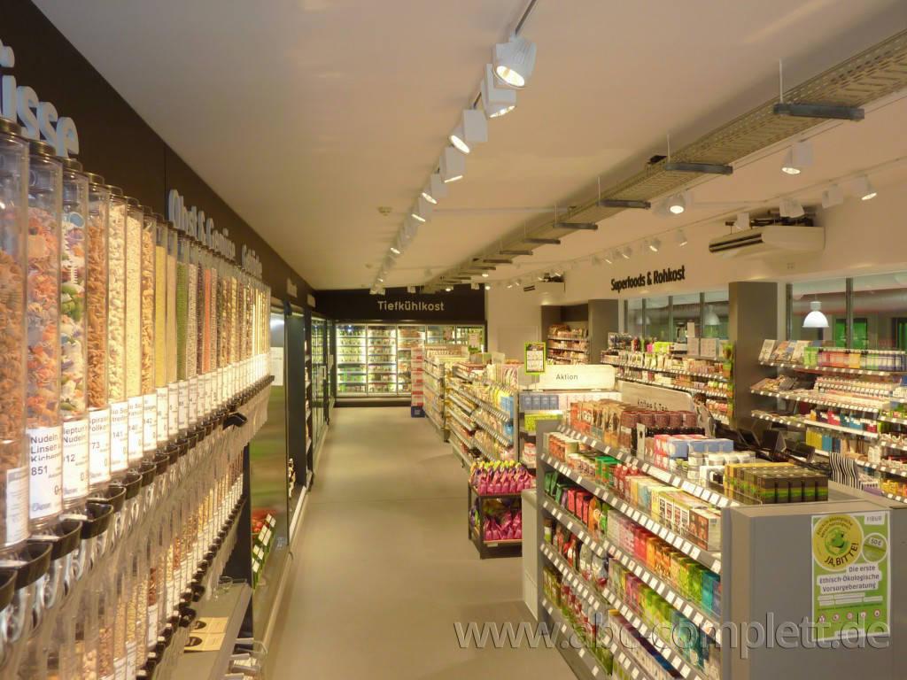 Ansicht des Geschäfts: Veganz wir lieben leben, veganer Supermarkt, Berlin / Marheineke Markthalle, Foto 9