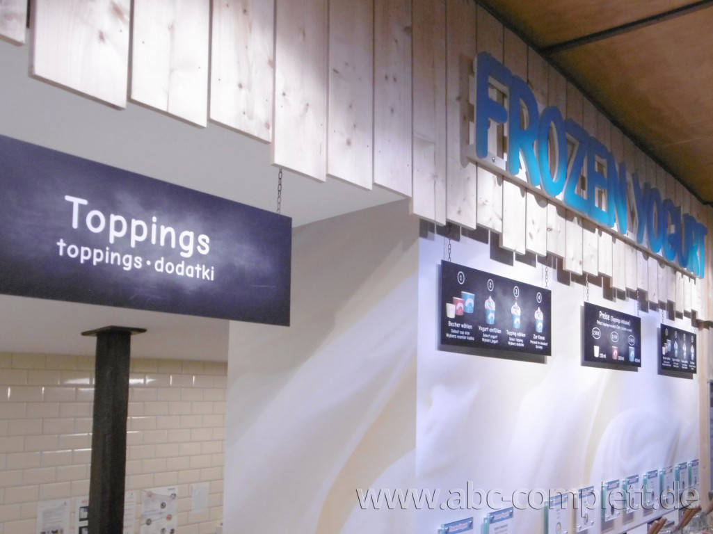 Ansicht des Geschäfts: Borneo Eiscafe im Tropical Islands, Frozen Yogurt in Selbstbedienung, Krausnick (Brandenburg), Foto 7