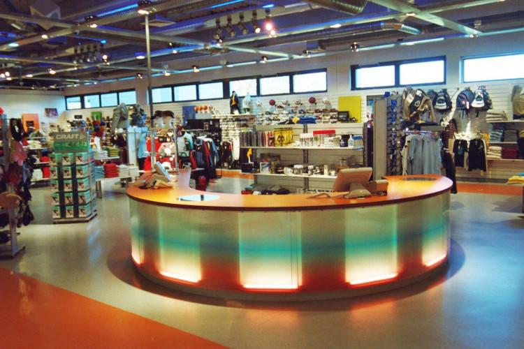 Ansicht des Geschäfts: Down Town Sports, Bahnhof Center, Bernau