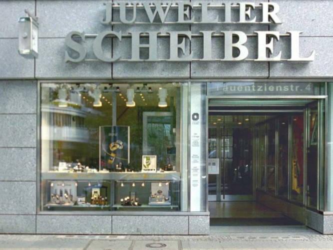 Ansicht des Geschäfts: Juwelier Scheibel, Schaufensterauslagen, Berlin / Charlottenburg