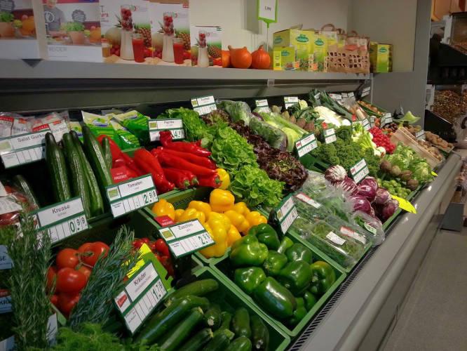 Ansicht des Geschäfts: Veganz wir lieben leben, veganer Supermarkt, München / Glockenbachviertel