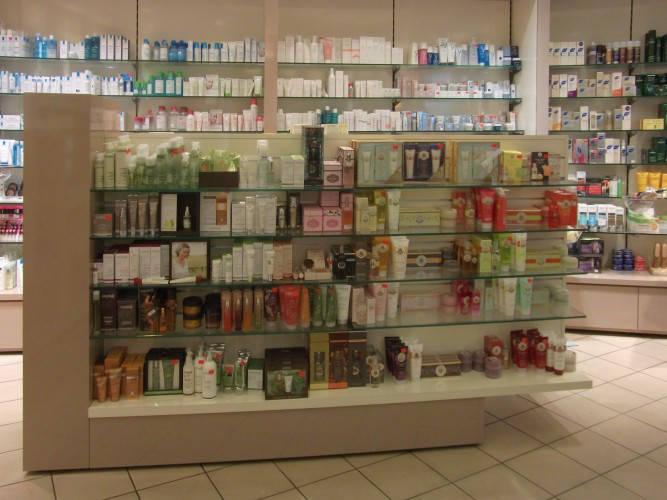 Ansicht des Geschäfts: Apotheke im KaDeWe, Offizinumbau 2013, Berlin / Charlottenburg