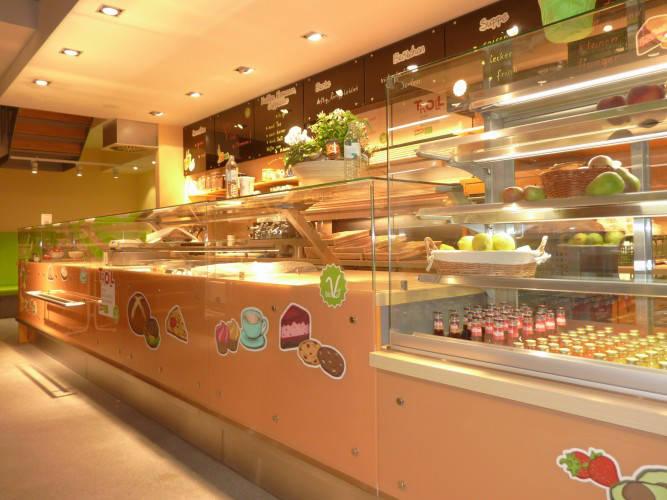 Ansicht des Geschäfts: Veganz wir lieben leben, veganer Supermarkt, Essen / Grüne Mitte