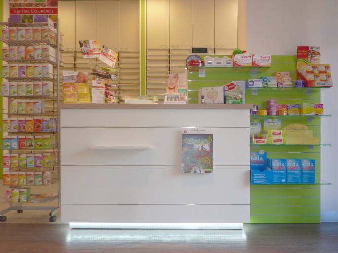 Ansicht des Geschäfts: Leonoren Apotheke, Offizinumbau, Berlin / Lankwitz